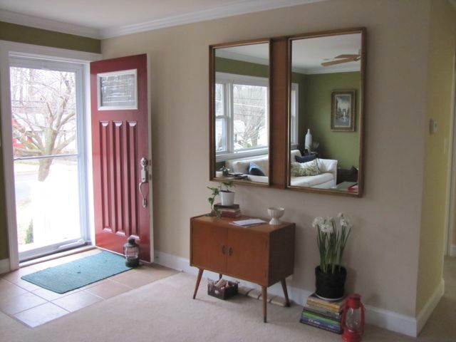 Entryway Makeover: Totally freeThe Borrowed Abode | The Borrowed Abode