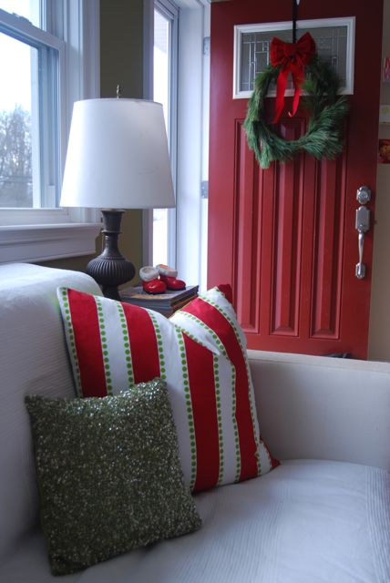 Christmas Pillow Covers Invisible Zippers | The Borrowed Abode