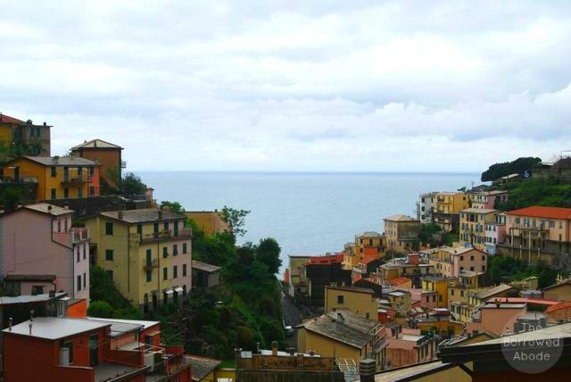 Cinque Terre Riomaggiore | The Borrowed Abode