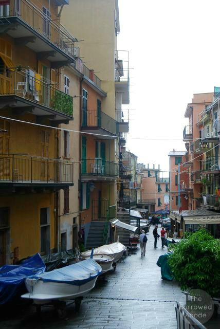 Cinque Terre Riomaggiore Boat | The Borrowed Abode