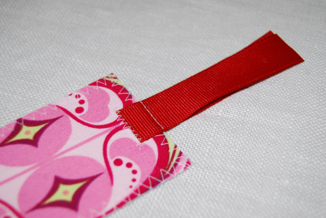 DIY Fabric Scrap Bookmark-01