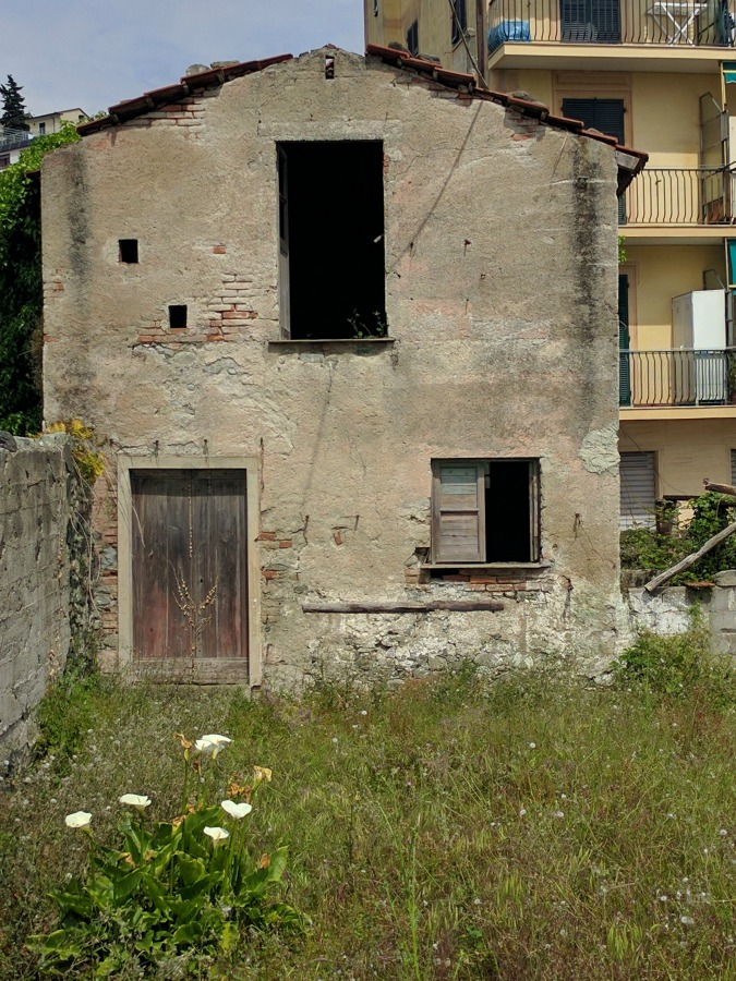 2016 Italy Levanto Abandoned House