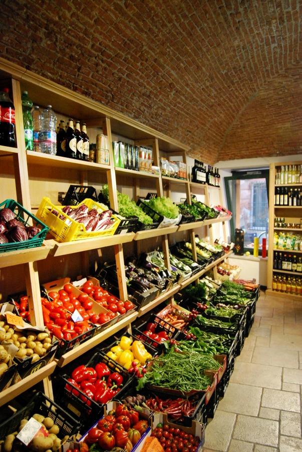2016 Italy Levanto L'Orto Vivo Vegetable Market